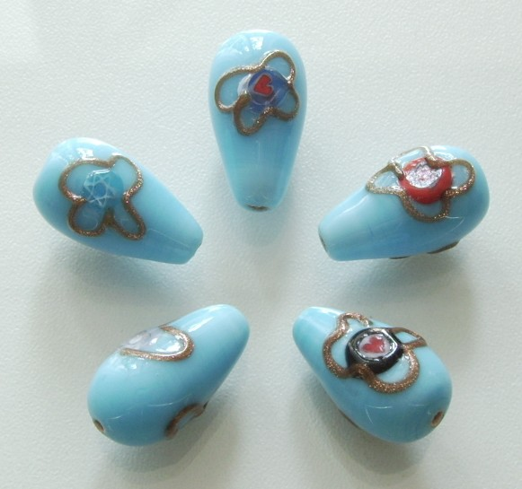 3 Stk. Lampwork Glasperlen * Kegel * Hellblau / Goldstrip * 22x12mm